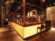 マリーナベイ地区の新築オフィスビルに登場した本格地ビール店、話題に