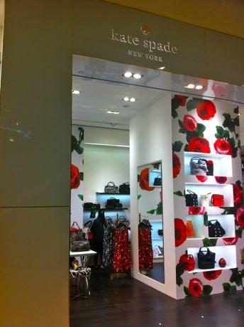 「ケイト・スペード ニューヨーク」ラッフルズシティSC店がリニューアルオープンした。