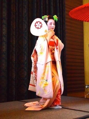 前回は京都・宮川町の舞妓(まいこ)による舞の鑑賞も