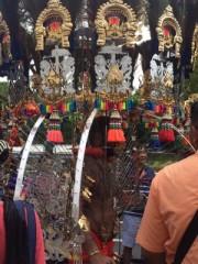 シンガポールで「タイプ-サム」 ヒンズー教徒や観光客でにぎわう