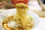 シンガポールにエビラーメン ミシュラン受賞シェフが調理
