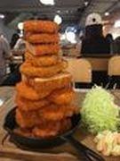 星に新和食店「フライパン食堂」 10枚重ねのカツタワーも