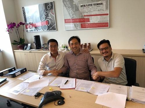 左から、T2APACのKenny Lam Director、電通スポーツアジアの森村國仁社長兼CEO、T2APACのJeff Chue CEO & Commissioner