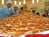 カヤトースト5千枚でピラミッド作る-国内新記録達成