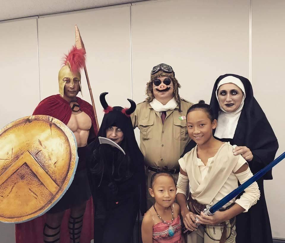 ハロウィーンの仮装をした参加者たち