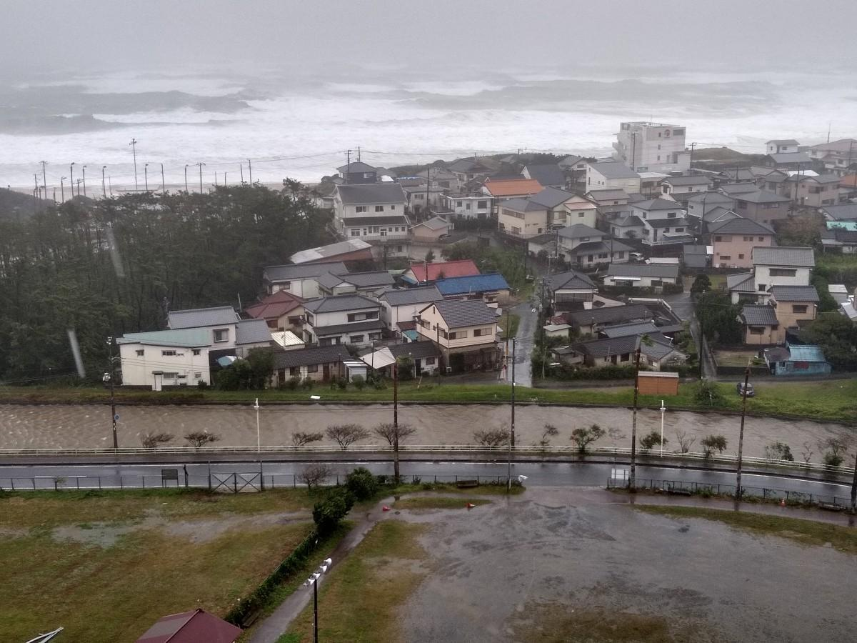 御宿町須賀地区(10月12日14時41分撮影)
