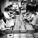 RRRでレコードフリマ「両国レコード天国」開催 人気DJによる出品も