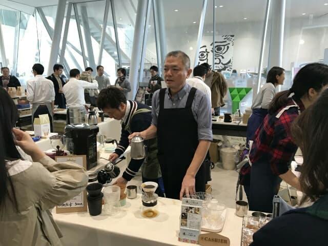 墨田区のこだわりの自家焙煎店がそろい、コーヒーをはじめドリップパックなどを販売した昨年の様子
