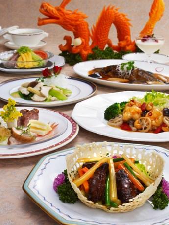 東京しゃも、立川うど、奥多摩産ヤマメなどを中国料理にアレンジした、中国料理「瑞麟」のアンチエイジング「美味健食コース」(6,300円)。期間中はあきるの産「キッコーゴ純正醤油」を使用
