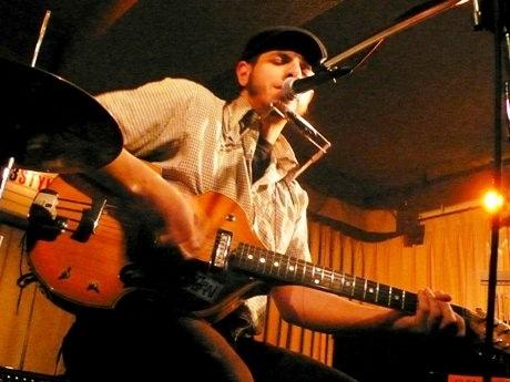 ザ・スラッカーズ(The Slackers)のボーカリスト、ヴィック・ルジェイロ(Vic Ruggiero)さんのソロアルバム発売を記念して行われるインストアライブ