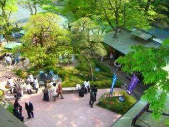 青梅・澤乃井園で「屋台祭り」-樽汲み豆腐の販売や生原酒の量り売りも