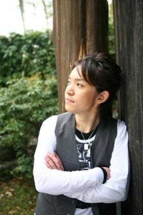 立川を拠点に活動するシンガーソングライターHiRoさん