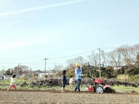 「農園祭」では、田んぼ作り体験や種ジャガイモ植え、耕作機械の運転などの農業体験イベントも開催予定