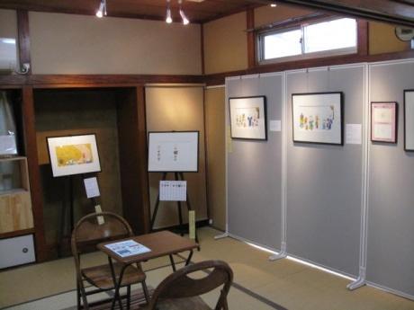 ギャラリーでは、絵本のストーリーに沿って原画を展示