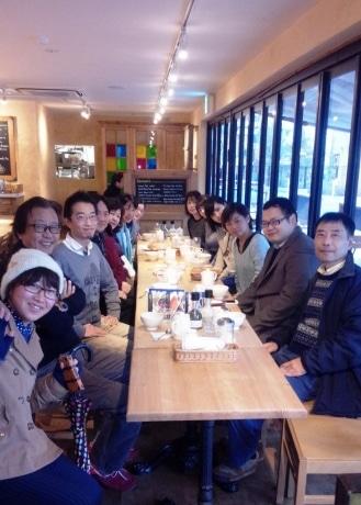 今年1月の「朝カフェの会」には14人の参加があった