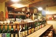 国分寺に熱燗専門の居酒屋「がらーじ」-こだわりの日本酒60種類そろえる
