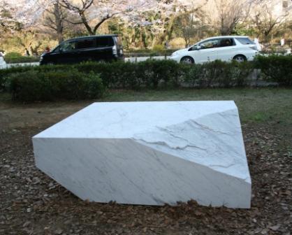 大賞の中島真理子さんの「重くて、脆くて、とても厄介なもの」
