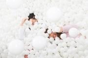 ルミネ立川屋上で「タマパ」 真っ白なボールプールで非日常体験を