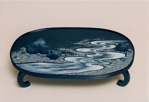 八世家元の淺井濤子さんの作品「流れ」