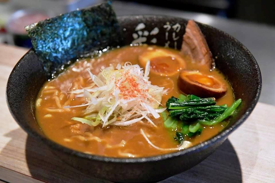 立川の「カレーラーメン彩」が2周年 カレースープにこだわり