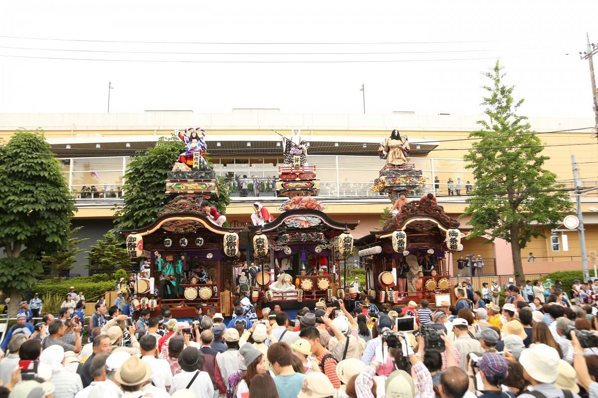 拝島三町の人形屋台