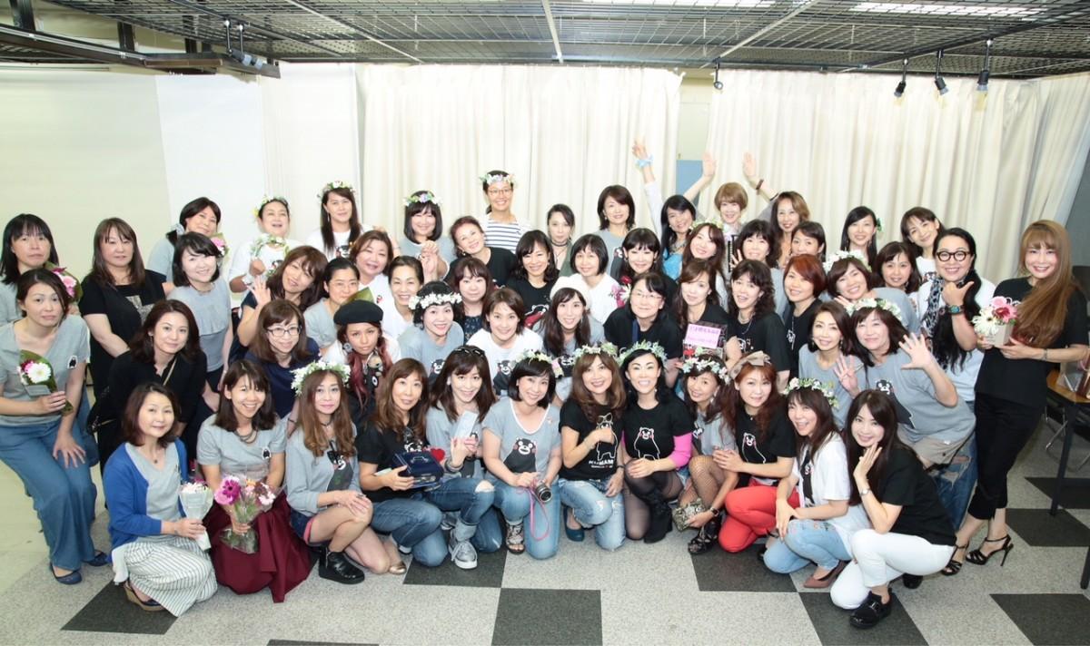 昨年の「Smile&Love チャリティーマーケット」参加者の皆さん