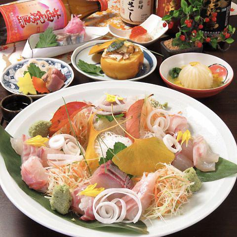 魚は三重県答志島直送の天然物を中心に、その日の仕入れに合わせ料理する