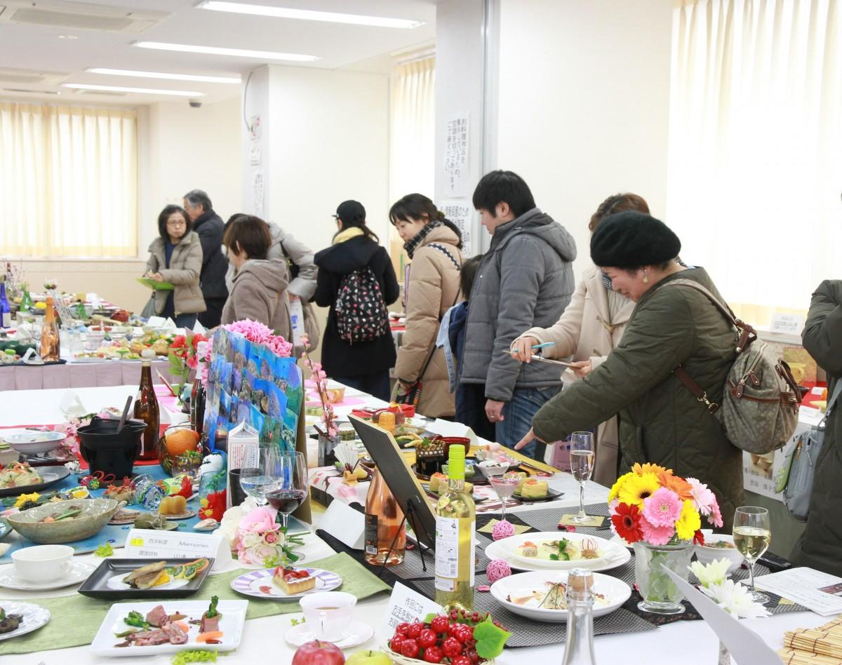 西東京調理師専門学校の学園祭の様子