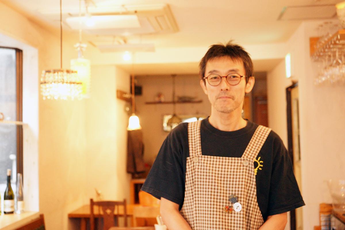 「アナログ舎」店主の湯原圭介さん