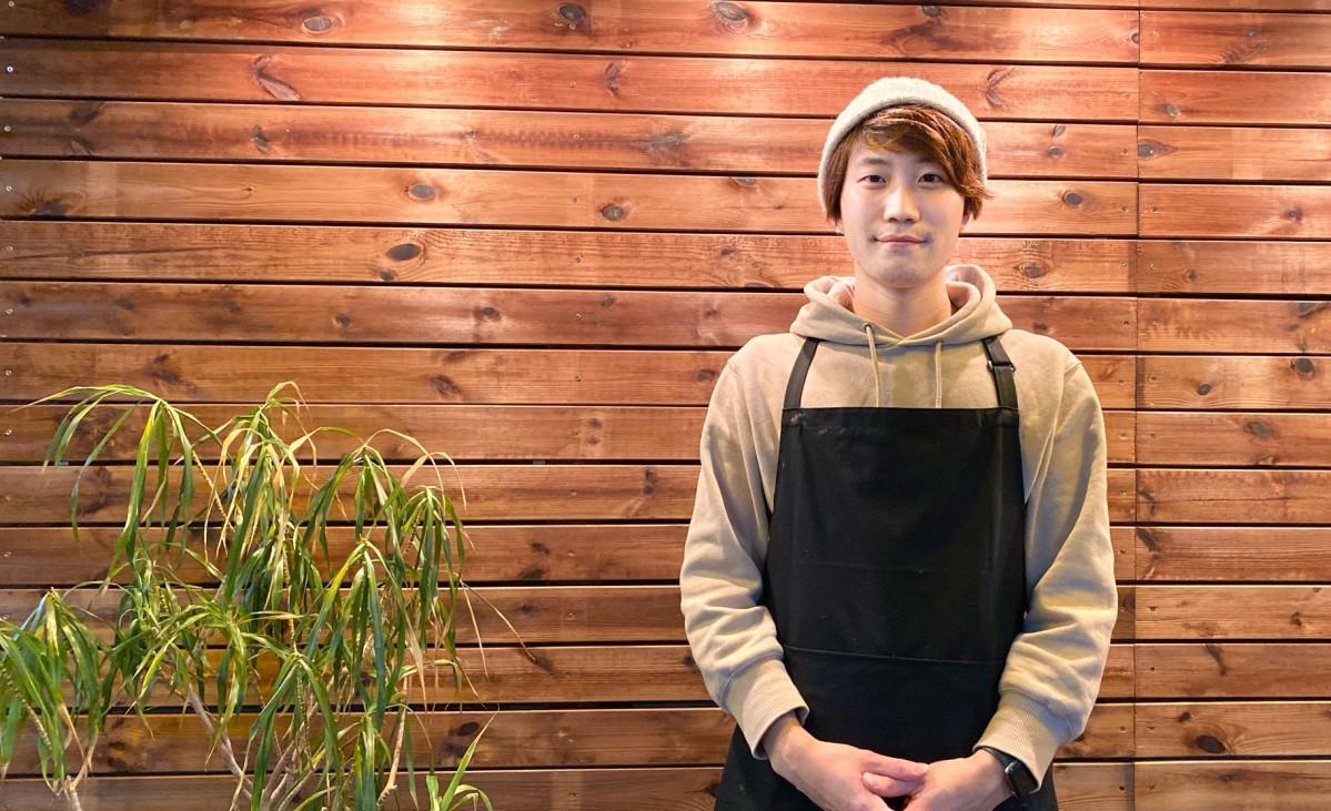 「カシノキコーヒー」店主の林巨樹さん