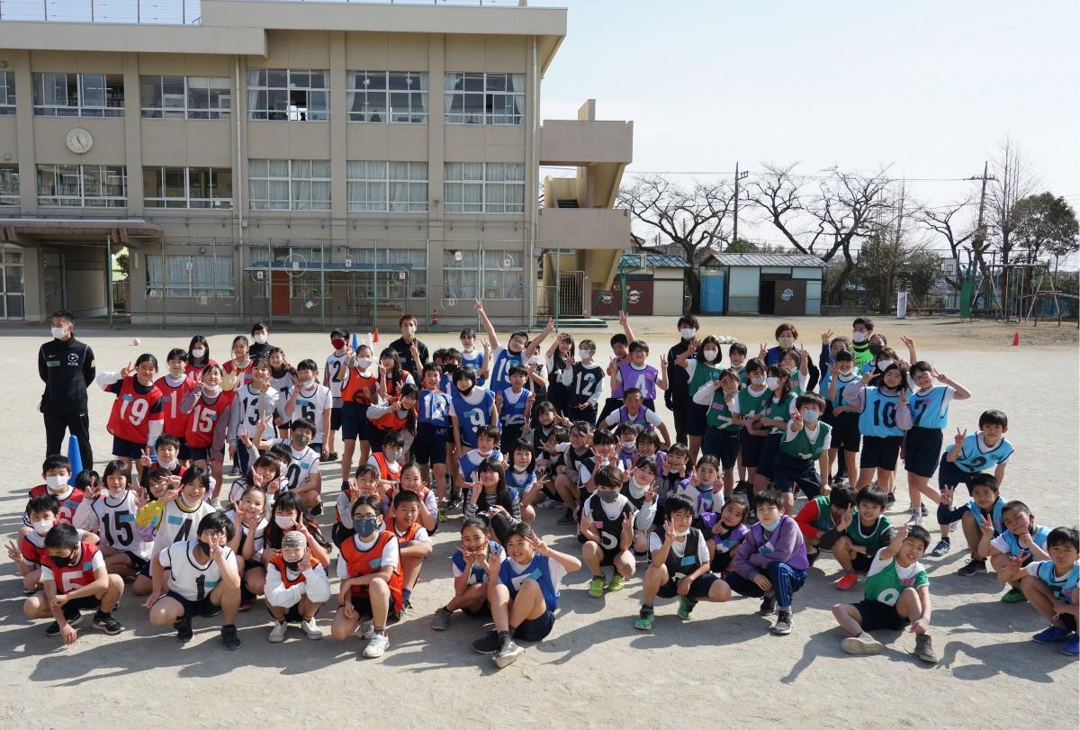 「MIFA(ミーファ) SOCCER SCHOOL サッカー教室in武蔵村山」に参加した第三小学校の5年生