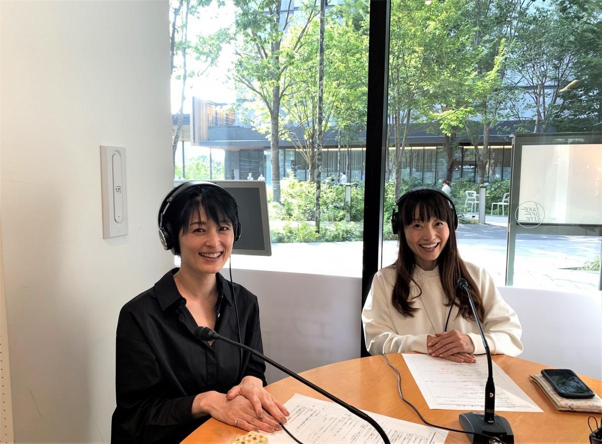 左から、立飛ホールディングス阿部さん、パーソナリティーの藤田さん
