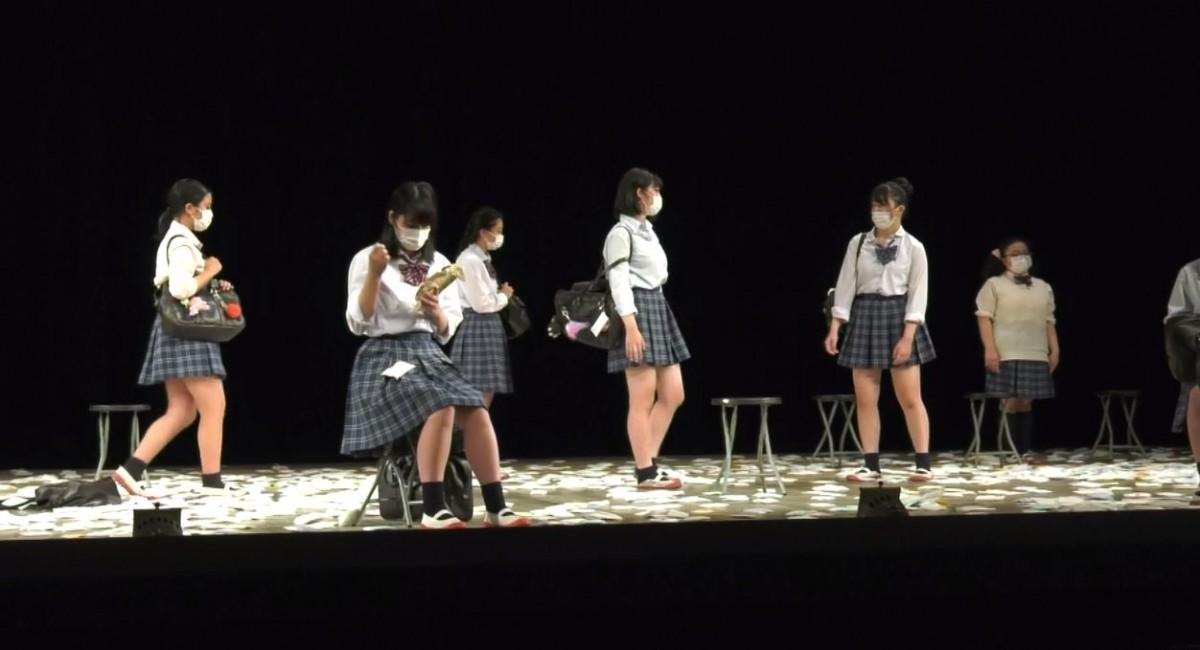 公演の様子(出典:第32回全国高等学校総合文化祭優秀校東京公演サイト)