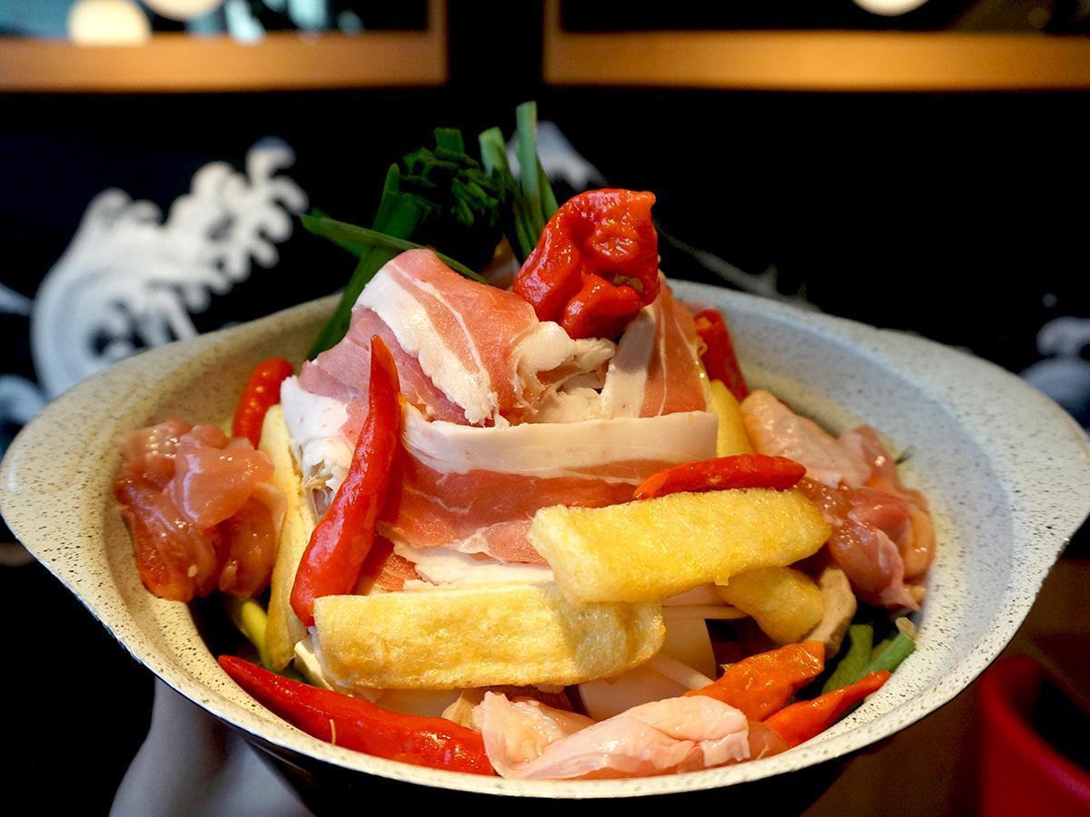 台湾の赤から鍋で販売を開始した地獄鍋の「猛鬼5丁目」