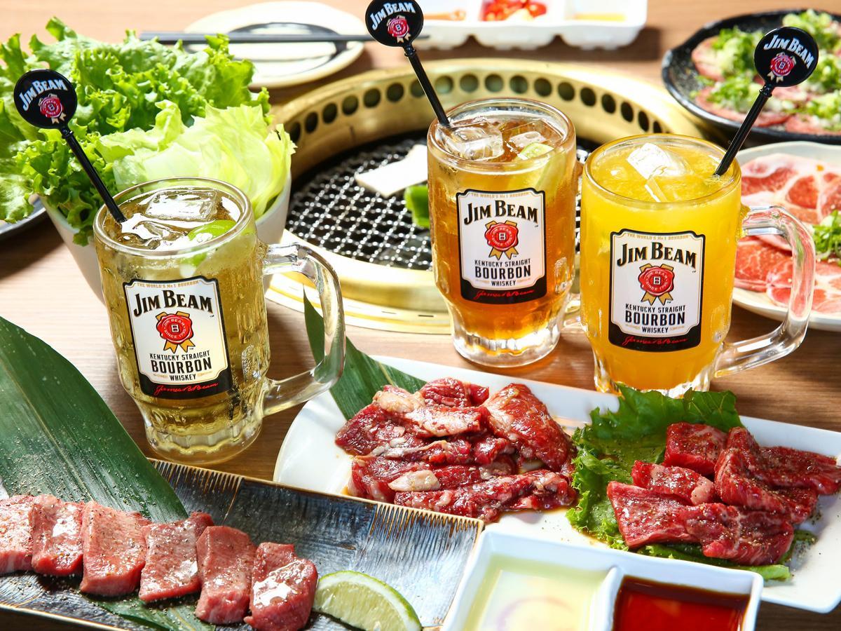 台湾サントリーが期間限定で実施する「ハイボールガーデン」(西軍は「ジムビームハイボール」に合わせて焼肉も提供)