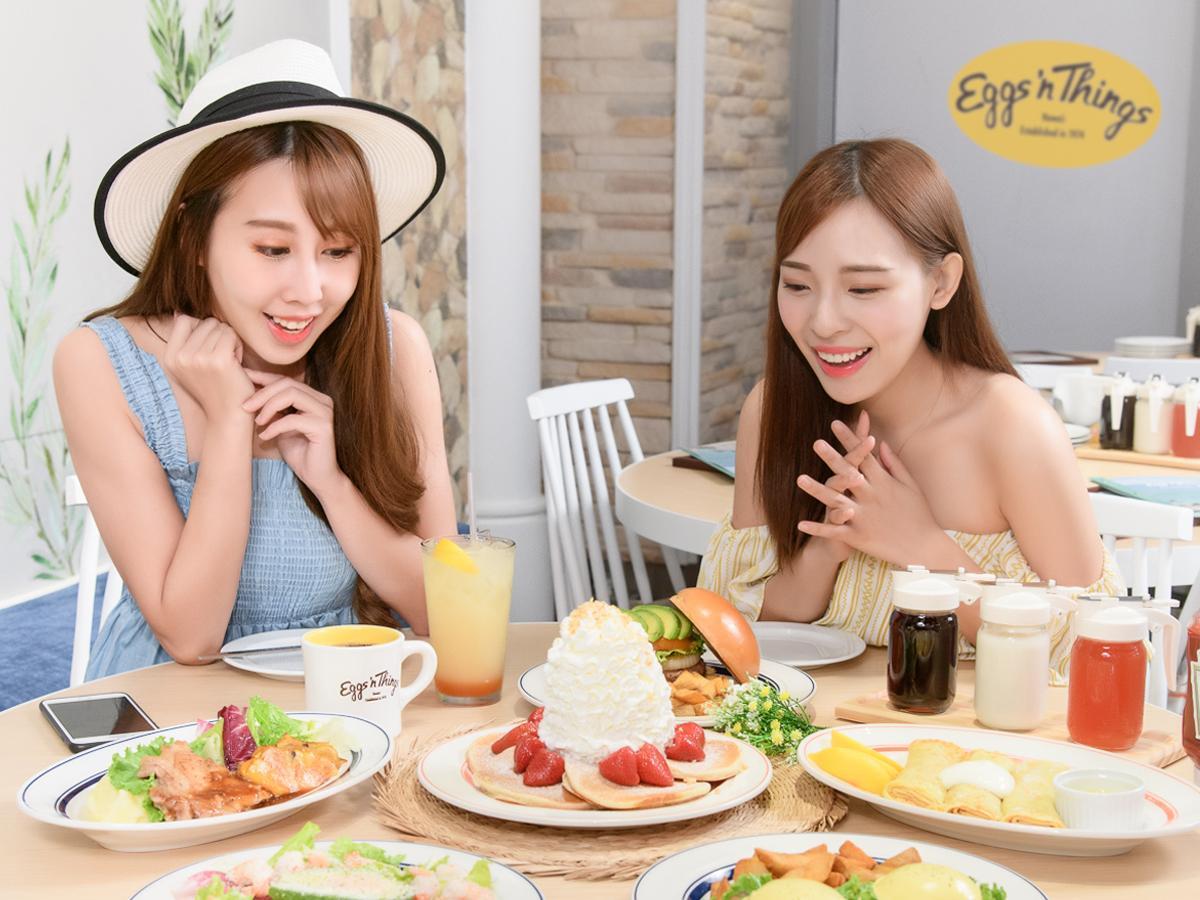 台湾で「鮮?油火山鬆餅」という名がついた「ホイップクリームパンケーキ」(398台湾ドル)