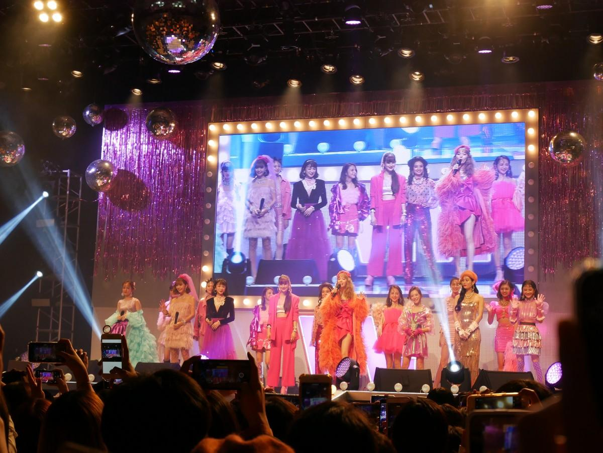 女性ファッション誌「ViVi」(講談社)の海外初となるイベント「ViVi NIGHT in TAIPEI」が11月16日、新光三越A11の多目的ホール「信義劇場(Legacy MAX)」で開催された。