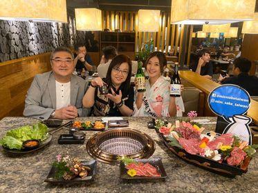 「2020 Miss SAKE TAIWAN」準グランプリのシャオジエさんと執行董事の安藤肇さんご夫婦。