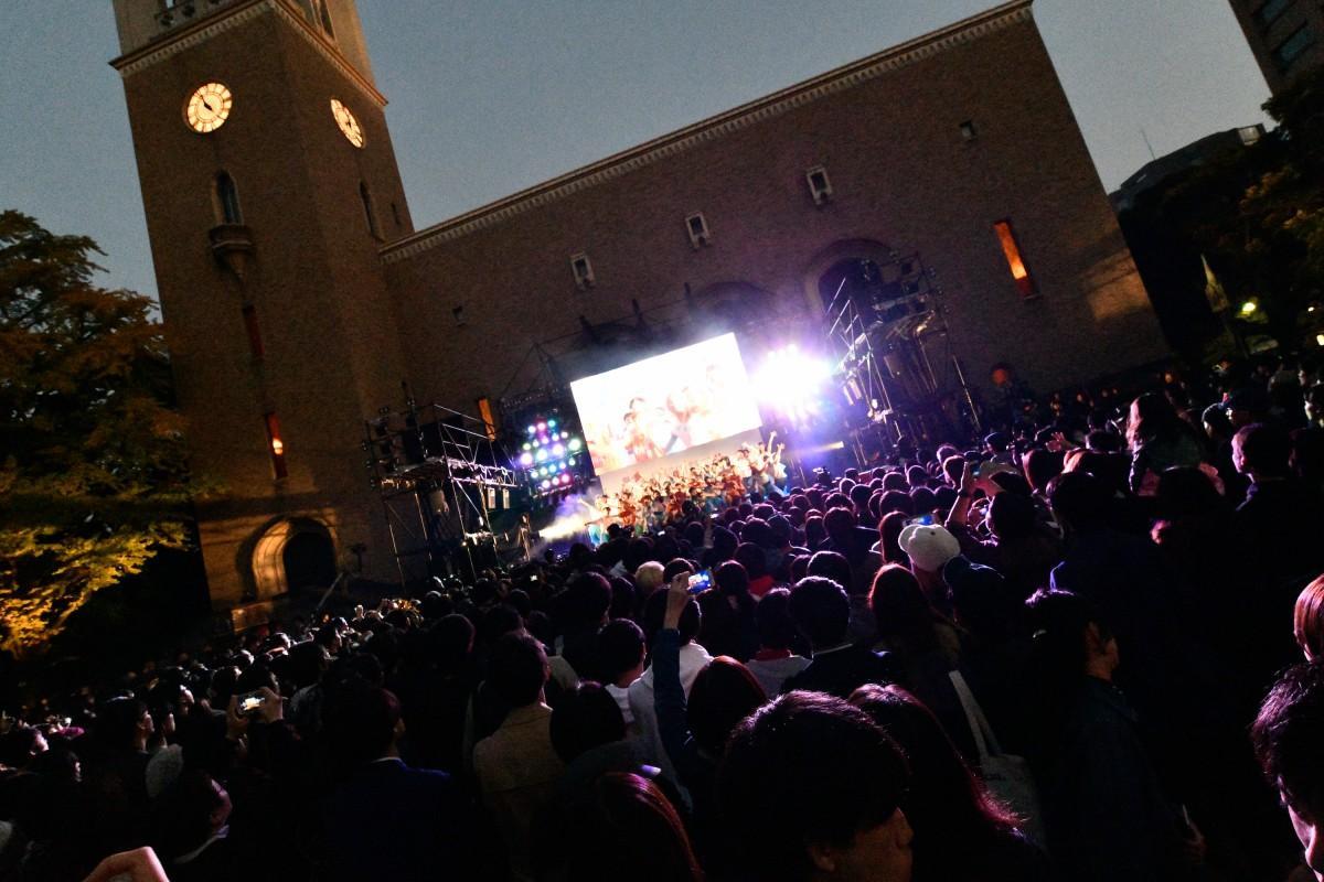 昨年開催された「早稲田祭2017」大隈講堂前ステージの様子