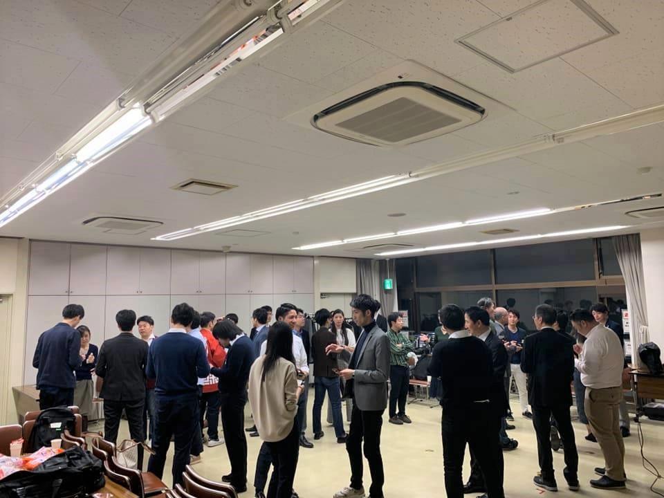 「新宿区100人カイギvol.1」交流会の様子