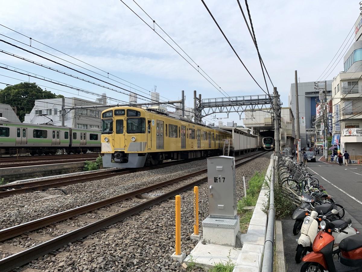 複々線化の計画の廃止で、地下駅新設が見送られる西武新宿線の高田馬場駅