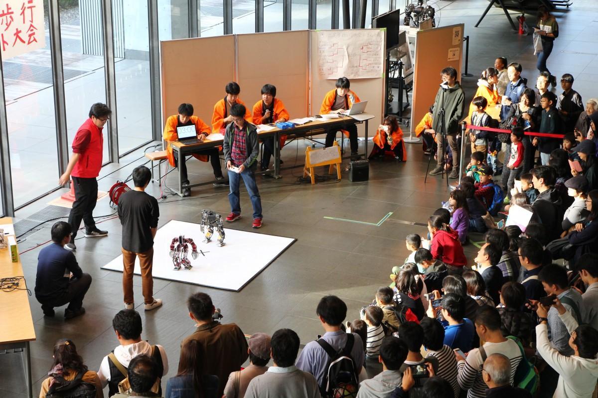 昨年開催「第65回理工展」の「早稲田大学ロボットフェスティバル」の様子(提供:理工展連絡会)