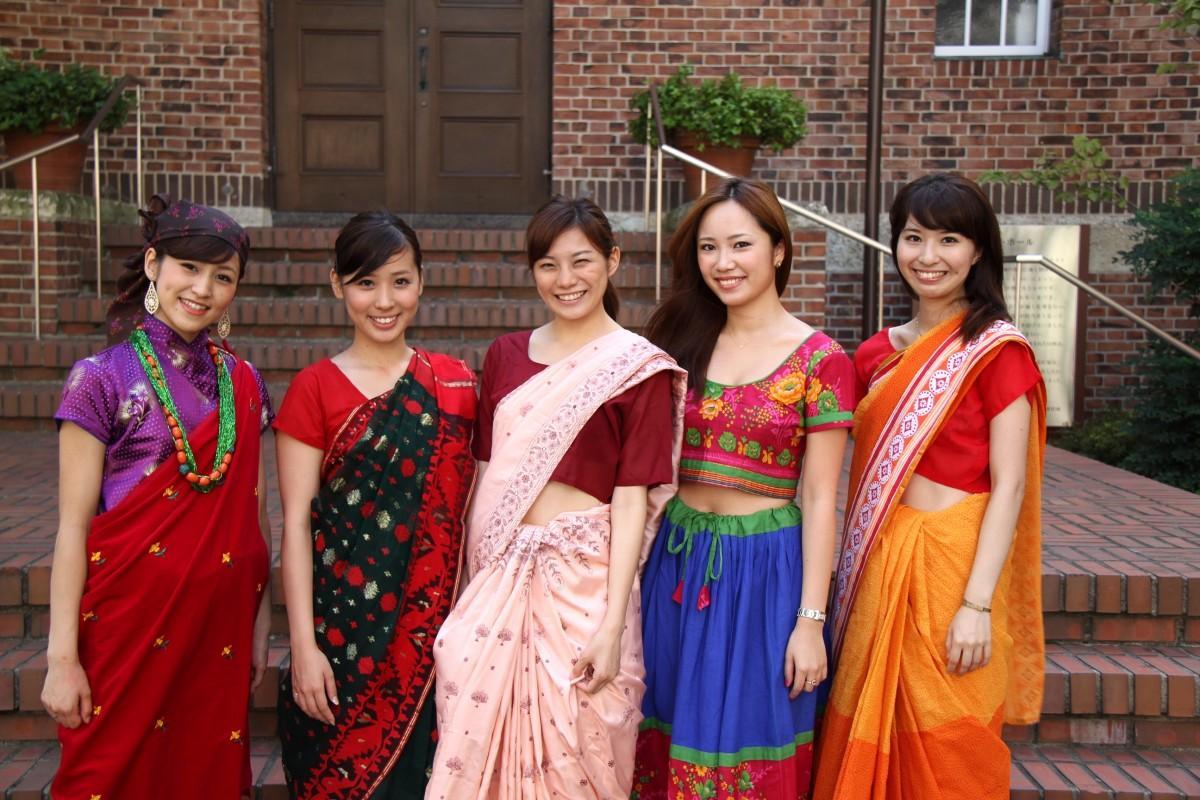 シャプラニールが過去に開催したサリーを着用したイベントの様子