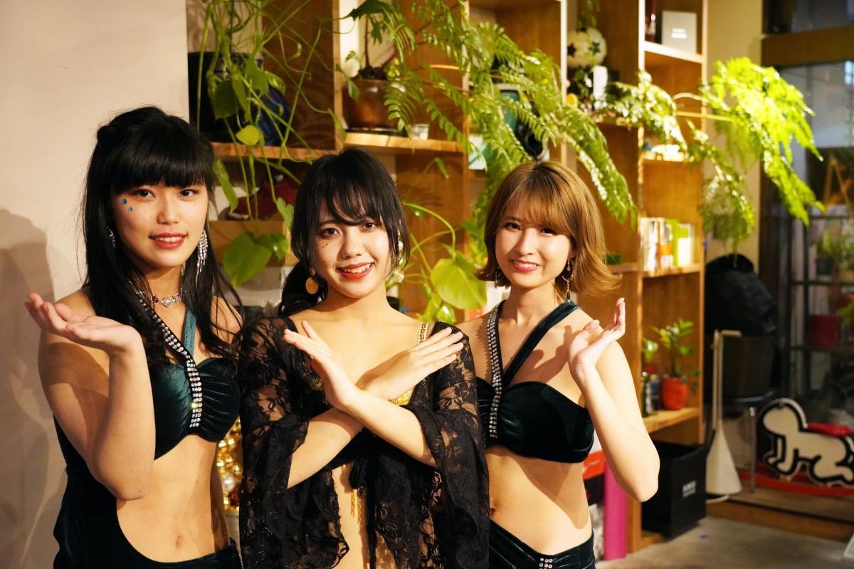 今回の「SARAHbelly Winter hafla」を企画担当した早稲田大学のベリーダンスサークル「SARAHbelly(サラベリー)」8期のメンバー