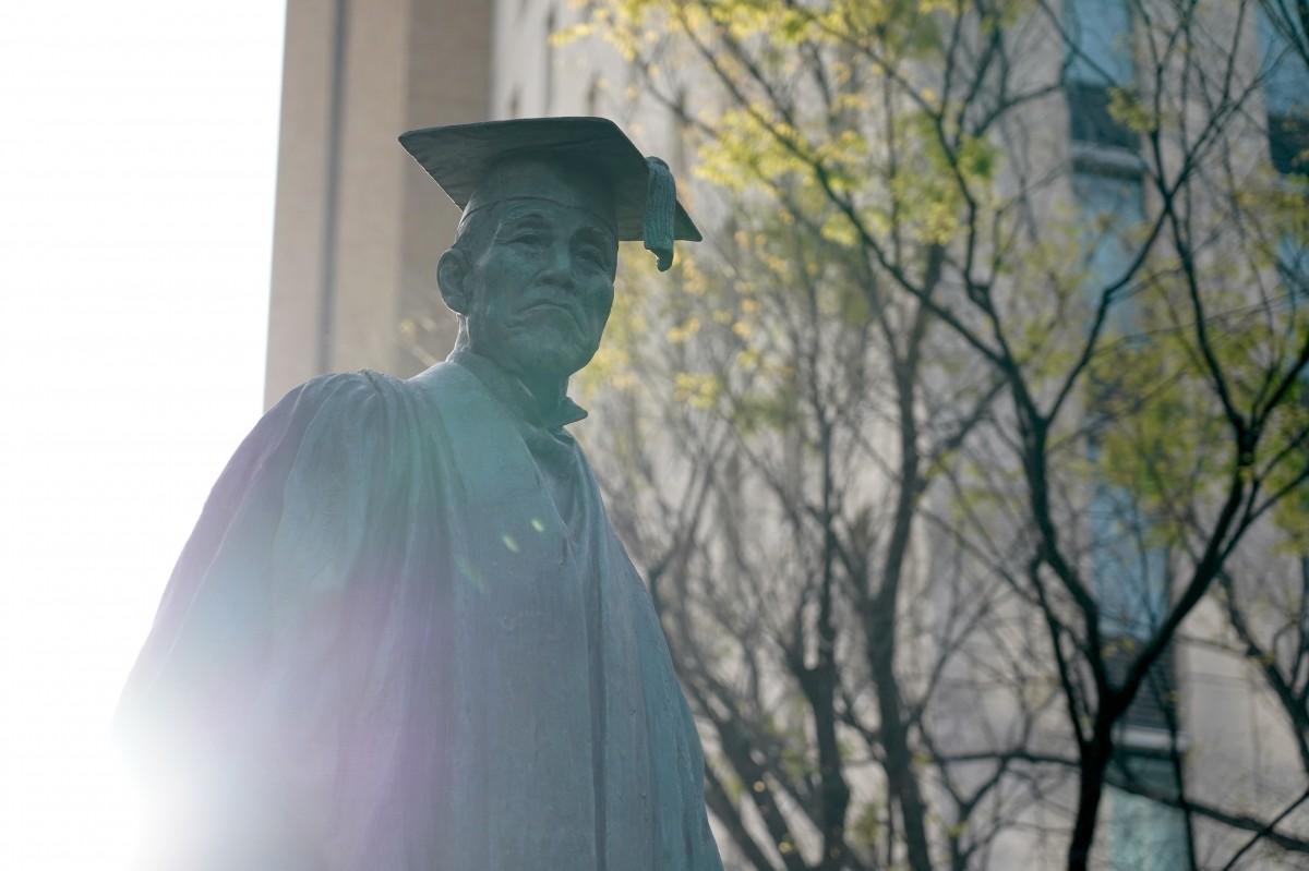 早稲田大学・早稲田キャンパスにある「大隈重信像」
