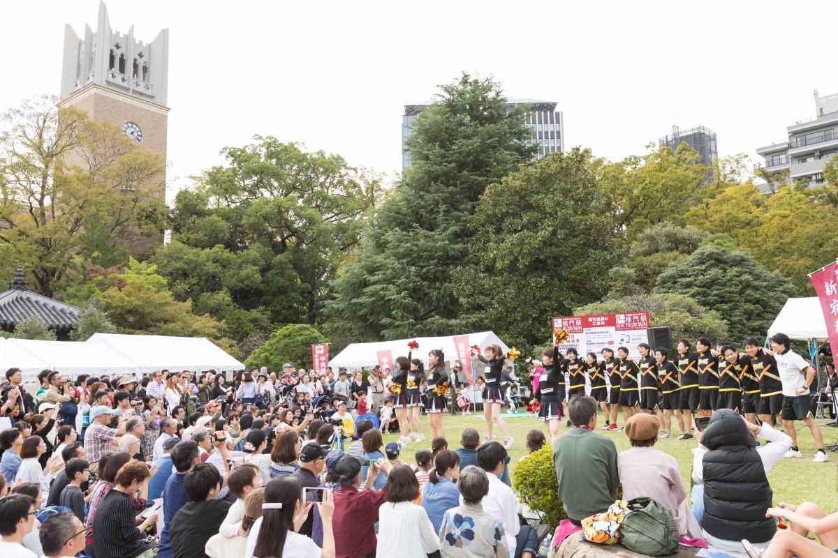 昨年行われた「稲門祭」の様子(提供:早稲田大学校友会)