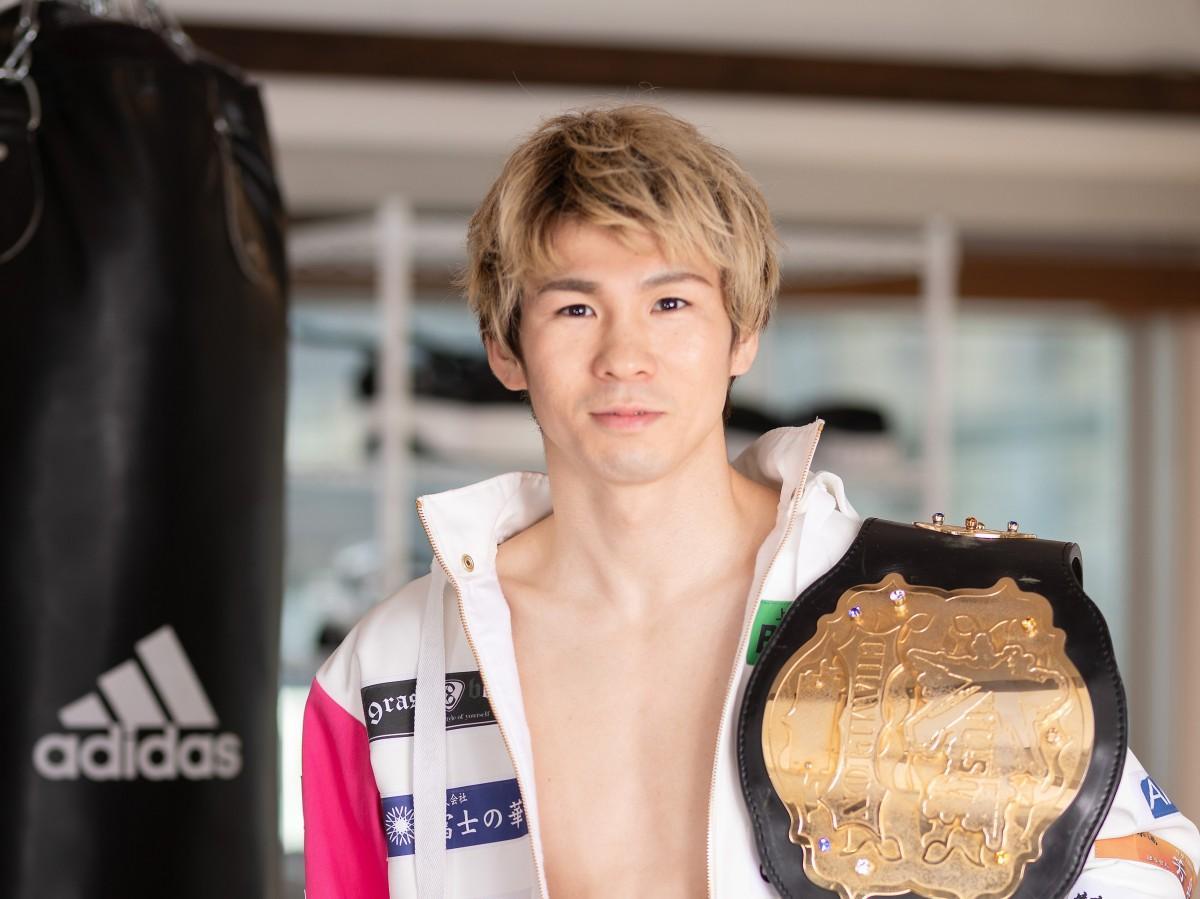 高田馬場のキックボクシングジム「LARA TOKYO」のトレーナーで、Krushスーパーフェザー級王者のレオナ・ペタスさん