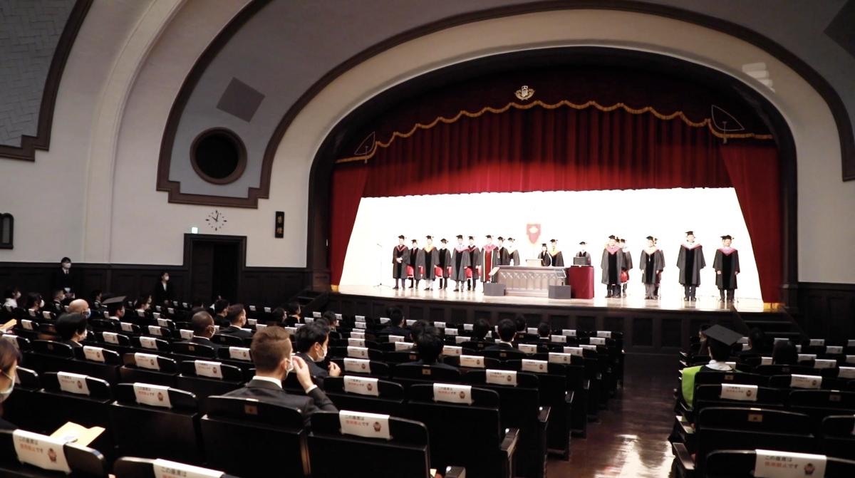 早稲田大学が公開した卒業式・学位授与式の動画のスチール画像(提供:早稲田大学)