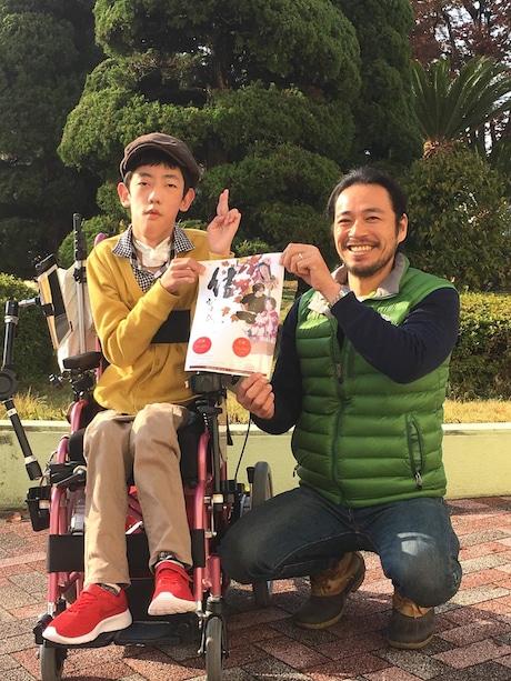イベントをアピールする島田伊織さん(左)と藤田雄大さん(右)