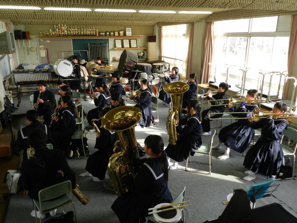 宝殿中学吹奏楽部の練習風景